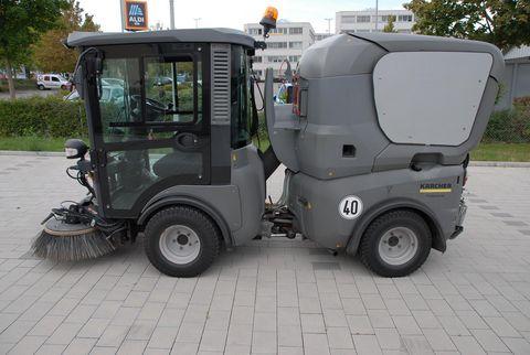Kärcher MC130 Saugkehrmaschine