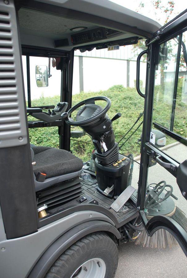 kärcher mc 130 saug kehrmaschine - lumax gmbh - landwirt