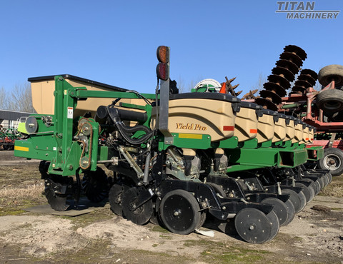 GREAT PLAINS YP825A-16TR30