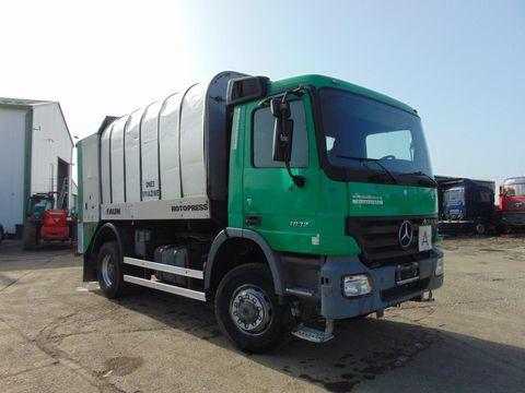 MERCEDES-BENZ ACTROS 1832 4x4 komunálne vozidlo na prepravu od