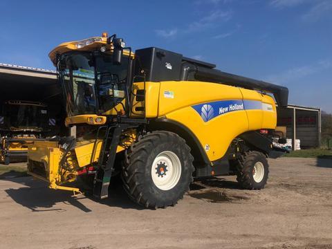 New Holland CX 8070 mit Varifeed 24V