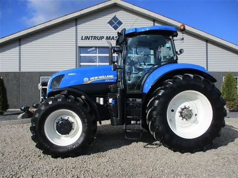 NEW HOLLAND T7.270 AC Med frontlift