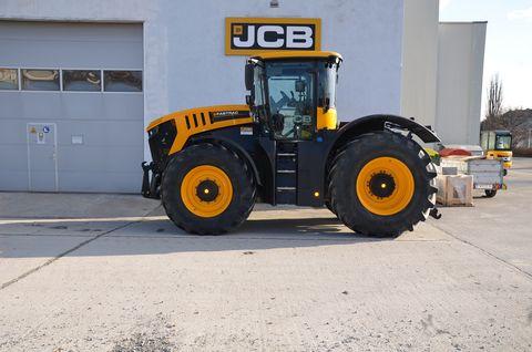 JCB 8330
