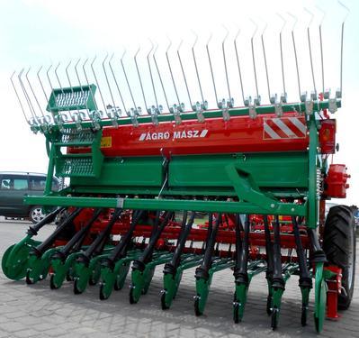 AGRO-MASZ Drillmaschine/ Seed drill/ Siewnik rzędowy SR-25