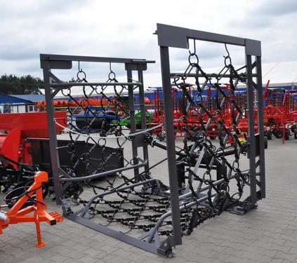 Metal-Technik Wiesenegge /Włóka łąkowo – polowa 8m / 4 rzęy