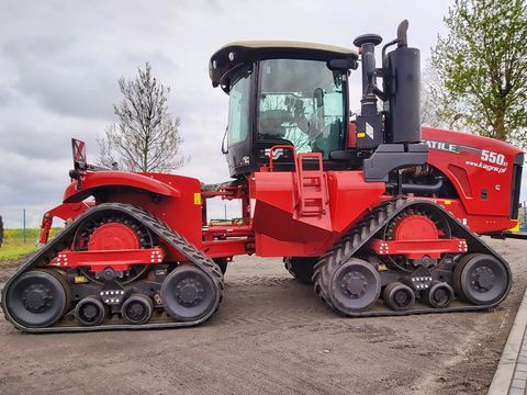 Versatile 550 DT