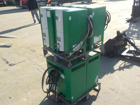 Sonstige Pallet of Battery Chargers (6 of)