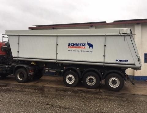 Schmitz Cargobull SKI 24 SL 8.2 43,2 m² 80 km/H