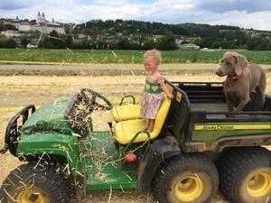 Lena mit Ihrem Hund am Feldtag