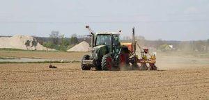 Fendt beim Mais säen
