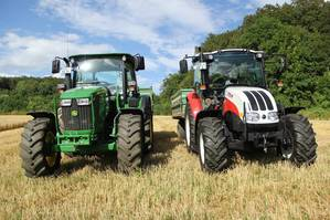 Steyr Power bei der Getreideernte