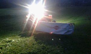 Steyr 658 mit Kuhn Gmd 500 bei Nacht