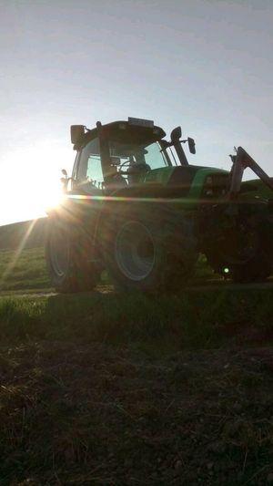 Deutz Fahr Agrotron 150 im Sonnenschein