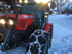 Schneeräumen mit MF 5425 Alpin Plus