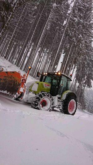 Claas im schnee