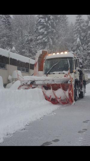 Schneefräsen mit Kahlbacher und Unimog