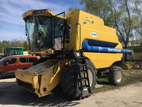 New Holland CSX 7080 Kombájn