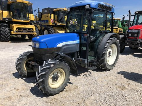 New Holland TN75FA
