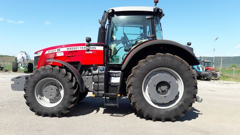 Massey Ferguson 8727S DynaVT Efficient